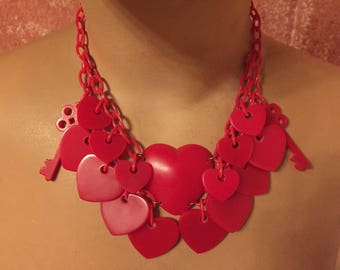 Vintage inspired necklace with heart pendants, 40's 50's bakelite / celluloid style