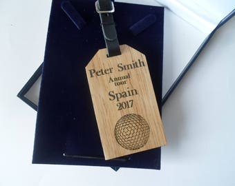 FREE POSTAGE  Solid wood golfers luggage tag with leather strap and buckle in a quality presentation gift box