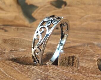 Sterling Flower Ring - women's Sterling silver ring