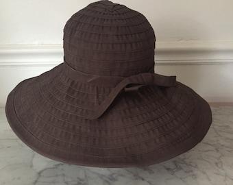 Vintage brown sun hat. Brown sun bonnet. Big sunhat. Big sun hat. Summer hat. Vacation hat. Vintage brown hat.