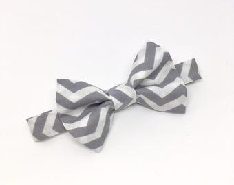 Grey Chevron Bow Tie // Boy's Bow Tie // Trendy Bow Tie // Grey and White Bow Tie // Chevron Toddler Bow Tie // Gray Bow Tie // Baby Bow Tie