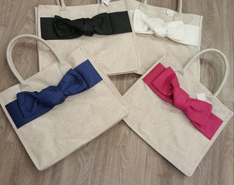Linen tote with accent bow