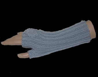 arm warmers , knitted , grey