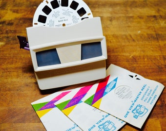 Sawyer's View-Master Model G With Three Card Reels