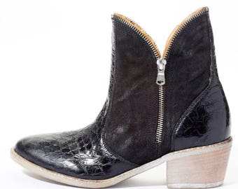 Western Double Zipper Black Croc