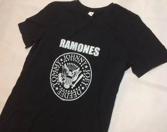 Vintage ramones t shirt mens large medium 70s 80s 90s rock n roll band tee