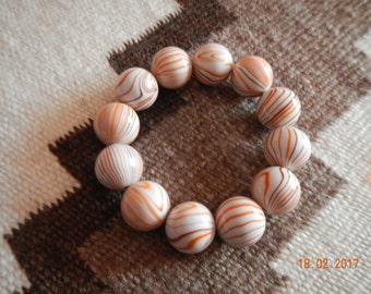 Vintage-styled Stretchy Beaded Bracelet