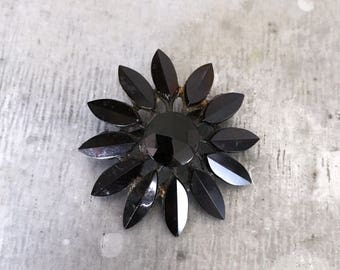 Vintage black glass flower brooch, black glass brooch, flower brooch, french jet brooch, mourning brooch, black glass pin, flower pin