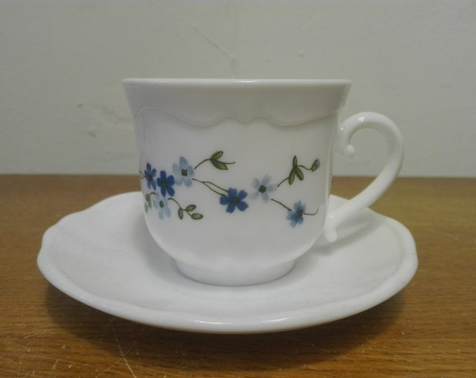 Arcopal Myosotis (Veronica) Cup and saucers