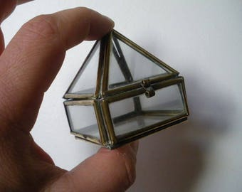 Small box pyramid glass and brass. vintage
