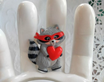 FUN Raccoon Valentines Day Vintage Brooch/Pin-Signed Hallmark-Heart-Bandit-So cute!-All Shipping is Only.99c