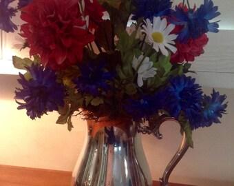 Patriotic Table Centerpiece, Red White Blue Tabletop Decor, 4th of July Decor, 4th of July Centerpiece, July 4th Flower Arrangement