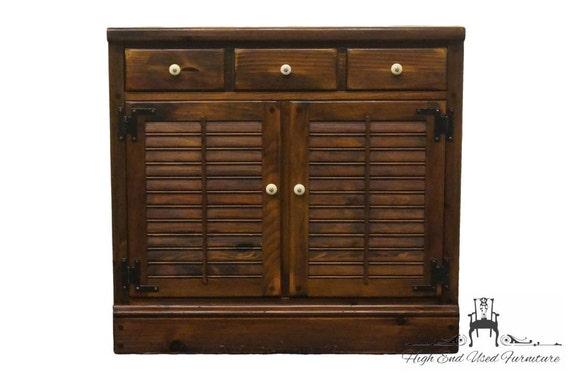 ETHAN ALLEN Antiqued Pine Old Tavern 32 Crp Shutter Door