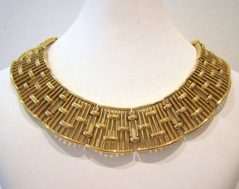 Vintage 'Trifari' Gold Collar