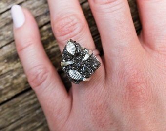 Vine Leaf and Branch prong Druzy pixie ring  set in sterling silver 925 size 5.5 (small)