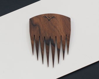 wooden hair comb in walnut