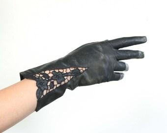 Ladies Driving Glove with Peekaboo Leather Cutouts