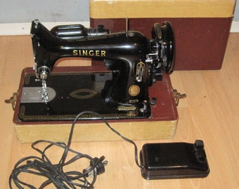 CLASSIC 99K SINGER SEWING Machine Works Great!!!