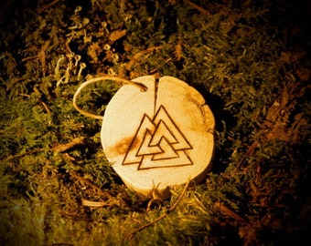 Valknut, rune in pyrography