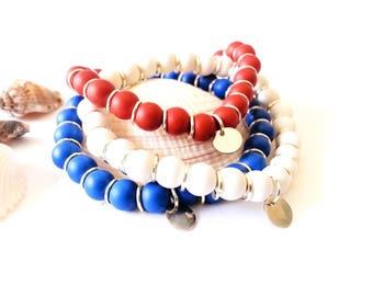 Elastic bracelet with 8mm mat beads - 8mm Engraved heart charm - blue bracelets - white bracelets, red bracelets