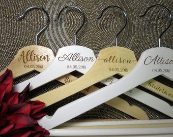 7 Personalised Hangers, Bridesmaid gift, Wedding hanger, Bridal party gift, Maid of Honor gift, Wedding dress hanger.