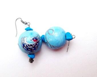 Blue bird earrings, bird earrings, Wooden earrings, Big ball earrings, Organic earrings, Blue bird earrings, big earrings, round earrings