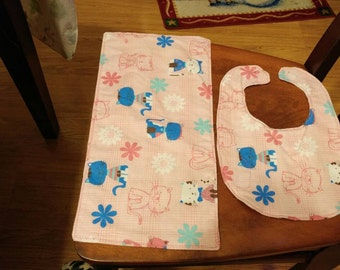 Cats bib and burp cloth set.