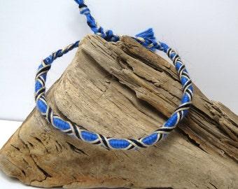 Friendship Bracelet blue e t ecru