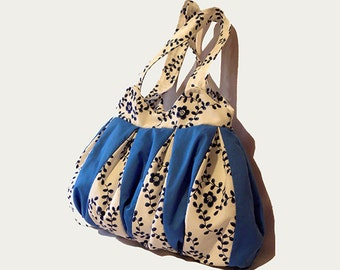 cloth women tote bag in cotton fabric, handmade, blue and white tote bag, fashion summer and spring
