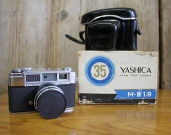 Vintage Japanese Yashica 'Minister' 35mm Camera c.1962