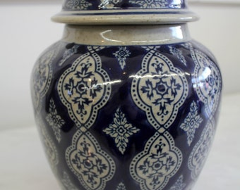 Chinese Oriental Blue and White Porcelain Ginger Jar, Urn with Lid