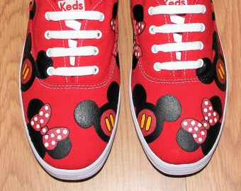MICKEY MOUSE ~ KeDS ~ and MINNIE heads bow Disney Park Custom hand painted  canvas lace up shoes  sneakers