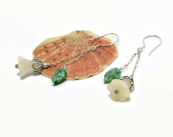 Flower Earrings. Floral Jewelry. Jade Earring Gift. Chain Drop Earrings. Yellow Jade Bell Flower. Gemstone Gift Idea. Stone Jewellery. A0228