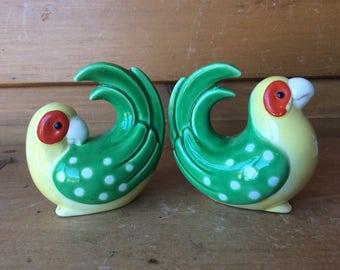 Vintage Parrot Love Birds Salt and Pepper Shakers FF Fritz Floyd Ex