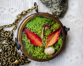Terrarium necklace, Real moss, living locket, botanical jewelry,real plants, nature inspired, hippie, boho jewelry, gift for her