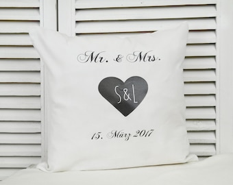 Personalized cotton pillow for wedding in vintage in white black
