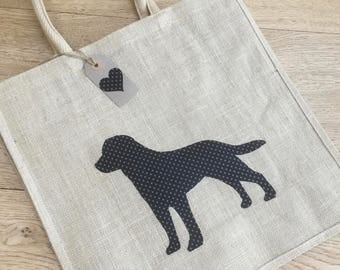 Luxury jute shopping bag featuring a Black Labrador dog design, the perfect gift for Labrador owners and dog lovers alike