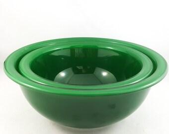 Mint Condition Green Pyrex Bowl Set