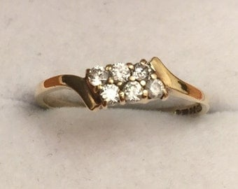 Vintage 9ct gold Cubic Zirconia ring - 1985