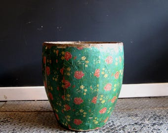Vintage Chinese Papier Mache Container
