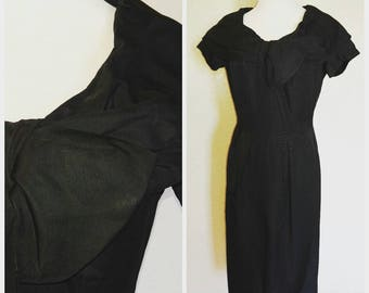 Gorgeous Black Vintage Dress with Oversized Collar