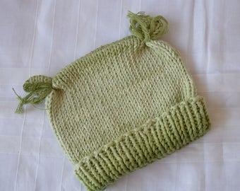 Hand knit cap for newborn