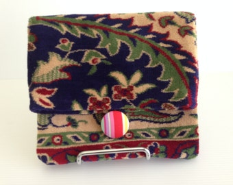 CLEARANCE SALE - 20% DISCOUNT - Quirky Clutch - medium