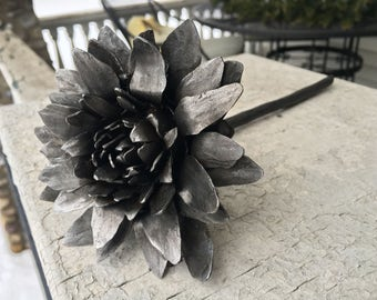 Blacksmith-Forged Steel Flower: Dahlia