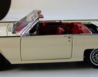Vintage Danbury Mint 1962 Corinthian White Ford Thuderbird Sports Roadster//Original Box and Title