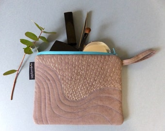 """Way """"sashiko"""" Pocket quilted colored linen hand embroidered taupe purse zipped and padded gift box of school"""