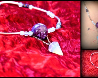 Necklace metal opalescent Pearl violet skull pendulum Rainbow