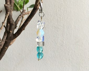 Opal keyring,opal sparkly keyring,sparkly blue keyring,blue girls keyring,blue crystal keyring,blue crystal key chain,sparkly key chain