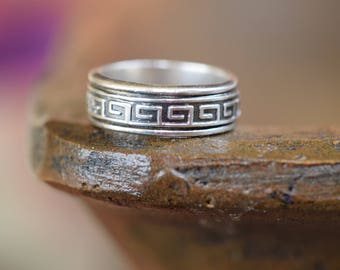 Retro 925 Mexico Silver Band Swirl Design, US Size 8.75, Used Vintage Ring