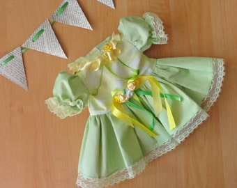 Dress baby born, Waldorf/ doll dress/ frilly dress/ elegant dress/ for 17 inch doll/ dress doll/ dress up doll/ little dress/ light green